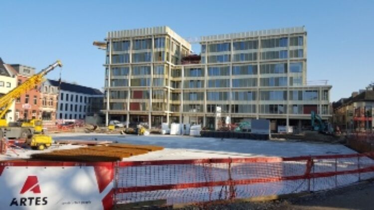 Sint-Vincentius (Kortrijk) : meer dan 650 m² 'Pyrobel Vision Line', Kortrijk - Snoeck & Partners NV